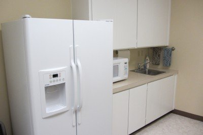 Complimentary kitchen privileges include use of our refrigerator, microwave, tea, paper towels, hand towels, sink with hot/cold water