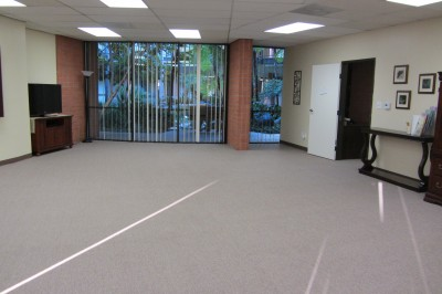 850 sf Large Classroom accommodates up to 60 and includes beautiful floor-to-ceiling atrium views