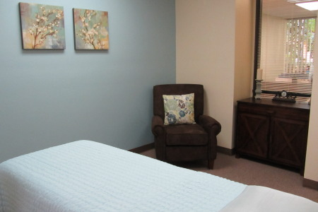 Healing Room appropriate for individual, couple, or family sessions